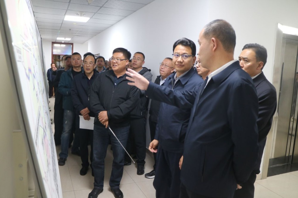玉树州政府与省交控集团组织召开交通重点项目推进会